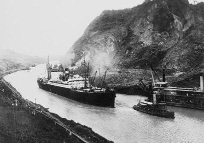 Primer viaje a través del Canal el 15 de agosto de 1914